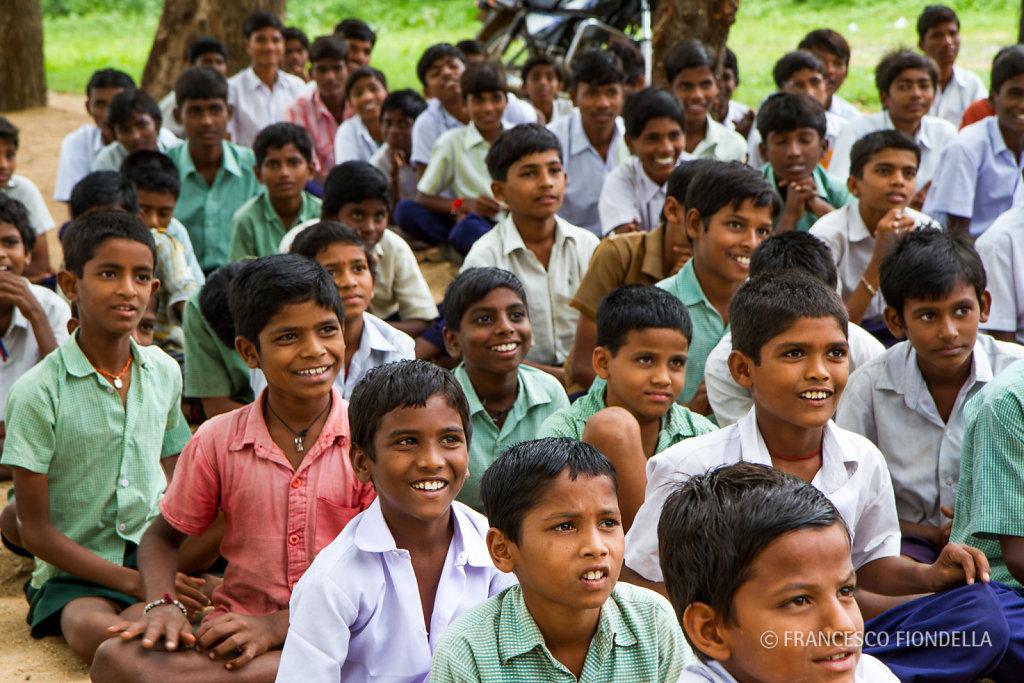 Gorita village school children